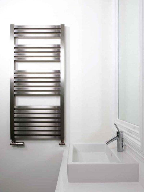 Serif en rostfri handdukstork för vatten eller el värme